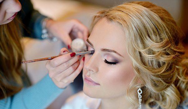 Catharine Hill – Makeup para festas - Curso Danny Cosméticos